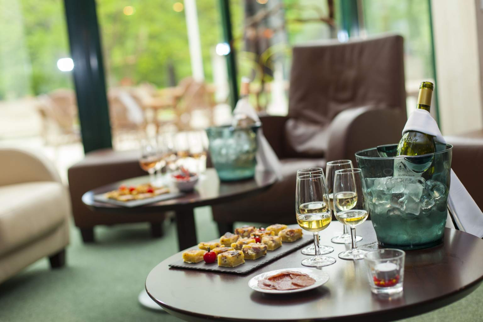 Aperitif in the lounge area